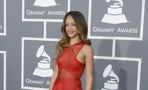 Rihanna optó por un atuendo para el que no usó ropa interior.