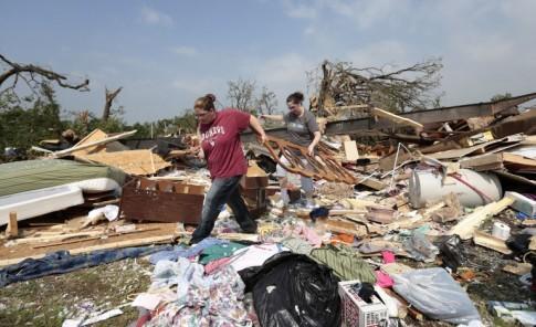 Tornado gigante destruye zona de Oklahoma