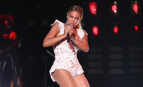 Beyoncé en la tarima de Medellín.