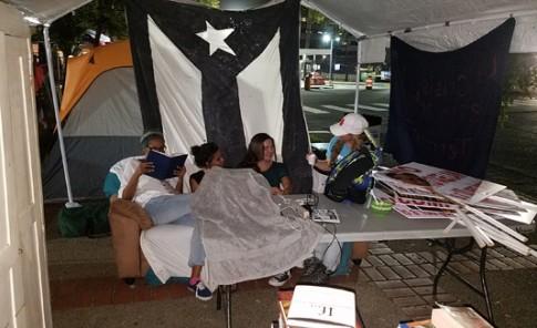Campamento contra la Junta de Control Fiscal