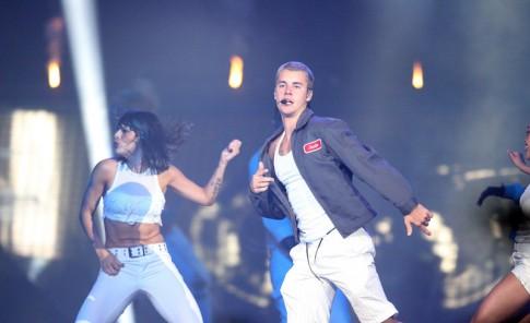 Justin Bieber provoca euforia en el Choliseo