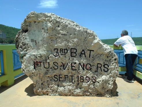 Piedra firmada en Guánica