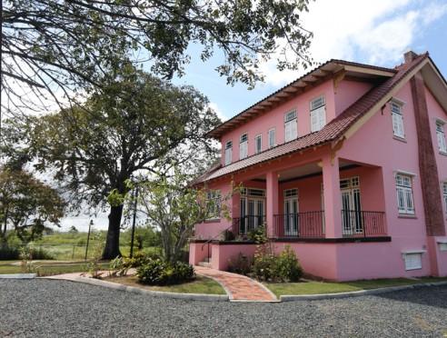 Casa Jesús T. Piñero en Canóvanas