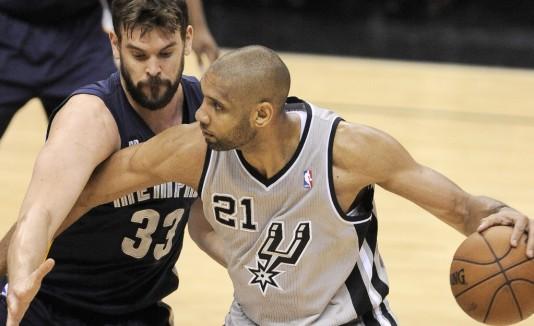 Tim Duncan solo estuvo 27 minutos en cancha, en los que logró seis puntos y diez rebotes.