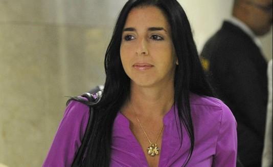 El ex de Ana Cacho solicitó  pensión para sus dos hijas.