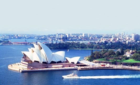 La mayoría  de los australianos dice que tiene más experiencias positivas que negativas.