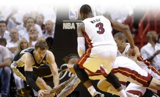 Los Spurs  buscarán convertirse en el primer equipo visitante que se corona campeón en 35 años.