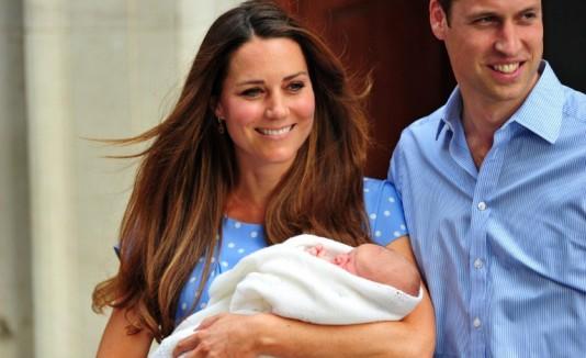 Presentan al royal baby