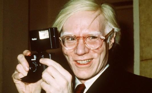 El artista plástico Andy Warhol hubiese cumplido 85 años ayer.