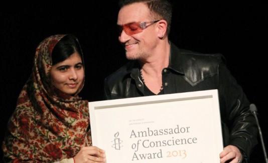 Malala y Bono