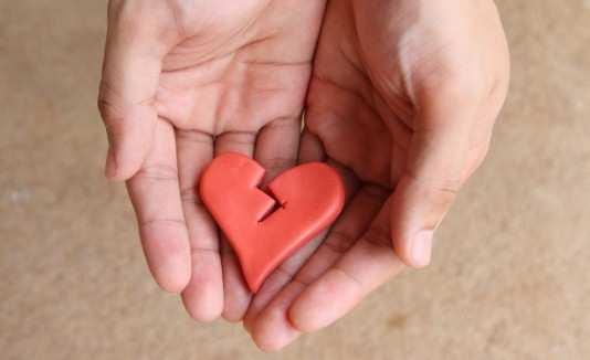 Tras la pérdida de un ser querido, el corazón se debilita.