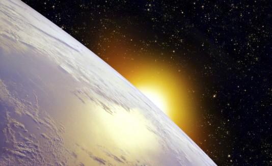 La capa  de ozono  disminuyó en sobre 50% en relación con lo normal.