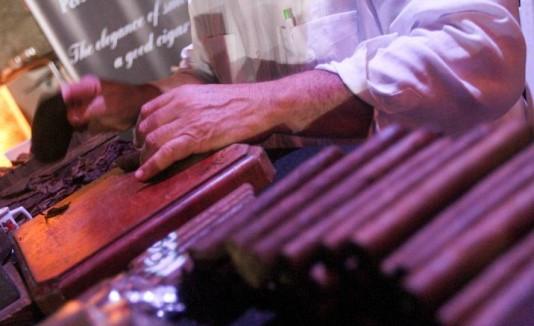 16 DE NOVIEMBRE DEL 2013 . WATERMILL . DORADO BEACH . DORADO . PRIMER DESFILE DE MODAS ANUAL DE CARLOS BELTRAN . EN LA FOTO Patricio Peña de Don Rey Cigars . GFR MEDIA / SEBASTIAN PEREZ 2013