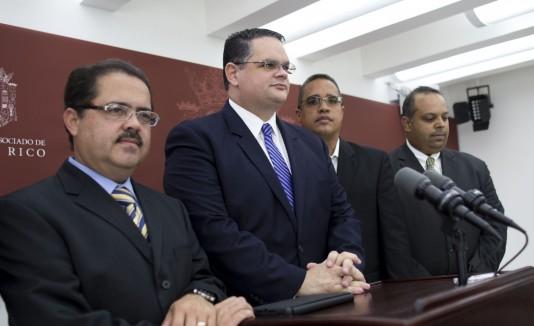 Los legisladores del PPD discutieron ayer el tema en La Fortaleza.
