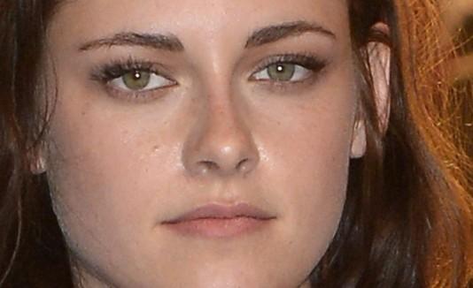 Kristen Stewart duerme maquillada.