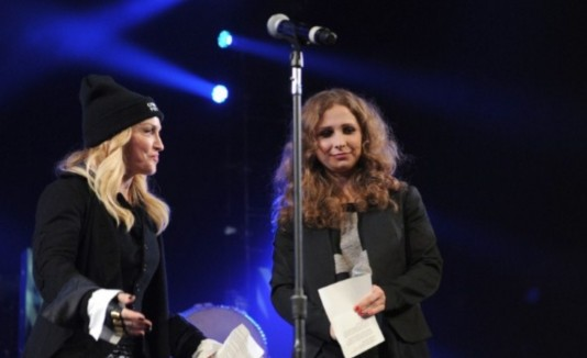 Madonna junto a Maria Alekhina y Nadezhda Tolokonnikova.