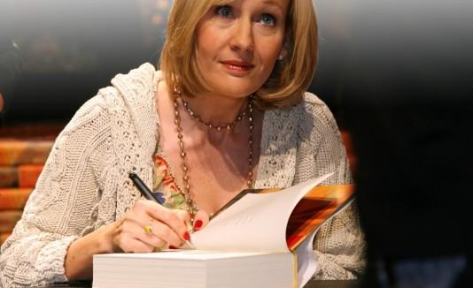 """""""The Silkworm""""  es el nuevo libro en el que trabaja J. K. Rowling."""