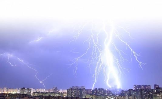 Florida registra unas decenas de muertes anuales por rayos.