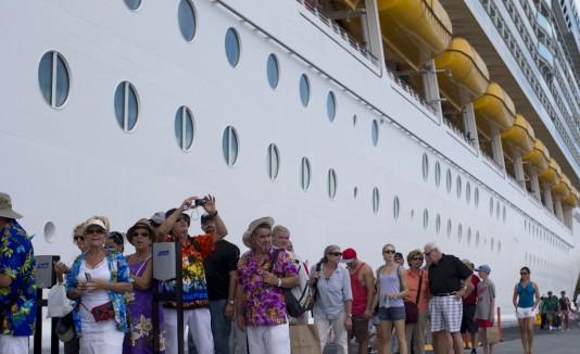 Durante el periodo de mayo a junio de 2014 se registró un total de 49 cruceros y 152,589 pasajeros.