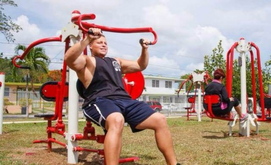 Inaugura segundo gym al aire libre for Gimnasio 360 puerto real