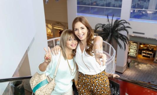 Elizabeth Rosa, de Arecibo,  disfrutó de un día de shopping en Plaza Las Américas  con la  actriz  puertorriqueña Giselle Blondet.