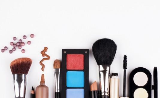 Dale una mirada a  tus maquillajes