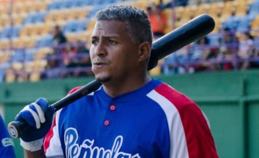 Joiset Feliciano es el primer jugador natural de Peñuelas en ganar el premio de Jugador Más Valioso de la Liga de Béisbol Superior Doble A.