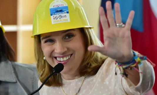 La alcaldesa opinó que la AEE pagó demasiado a Lisa Donahue.