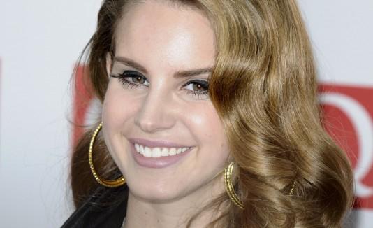 Lana Del Rey creó dos temas.