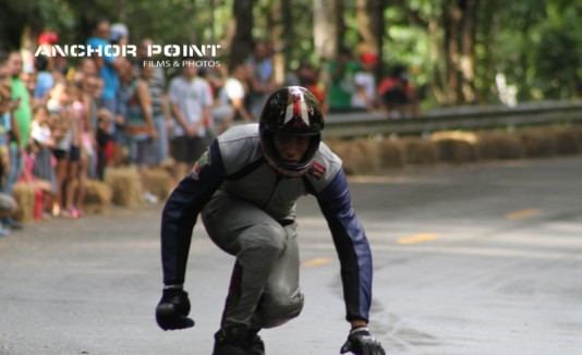 Los atletas competirán por un premio en efectivo de $2,300 que será dividido en $1,800 en la categoría de  Downhill y $500 para Trike Drift.