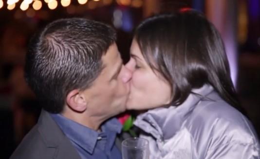 Beso de aniversario (viral)