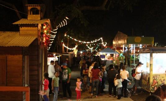 """Las actividades en el Parque Julia de Burgos, que inician el 25 de diciembre y concluyen el 2 de enero, incluyen estampas, música y la puesta en escena del musical """"El nacimiento viviente""""."""