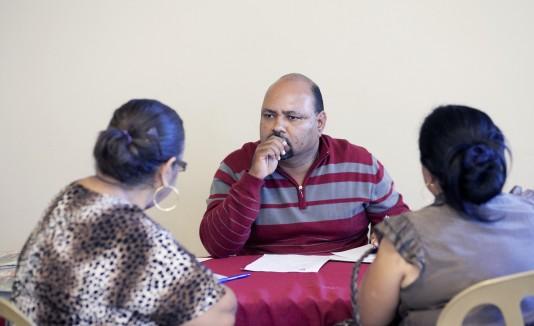 """Ángel """"Bori""""   González  (al centro), alcalde de Río Grande, informó que este año se llevará a cabo la rehabilitación del  Poblado Palmer y el casco urbano."""
