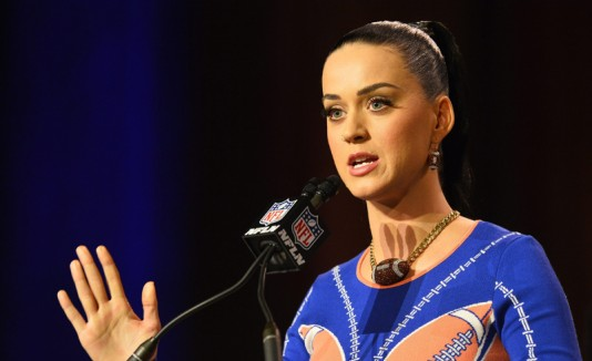 Perry en una conferencia de prensa del juego previo de Super Bowl XLIX en Phoenix, Arizona.