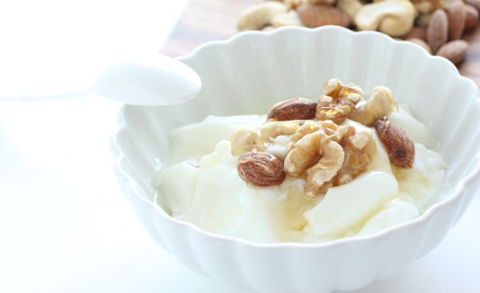 Yogurt con nueces.