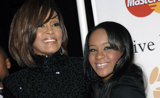 Bobbi Kristina Brown junto a su madre, Whitney Houston.