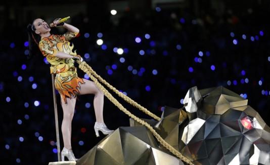 Katy Perry cantando en el Super Bowl.