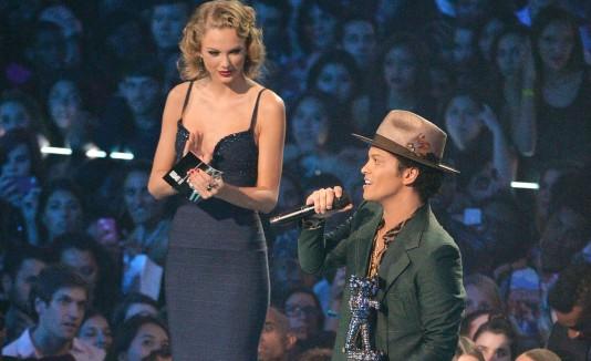 Bruno Mars y Taylor Swift
