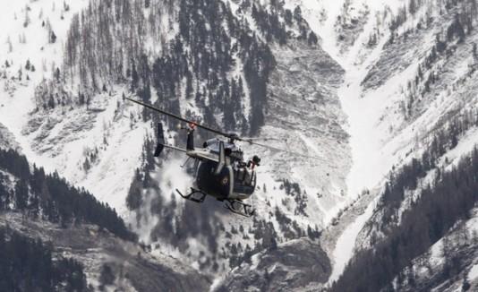 Avión en los Alpes franceses