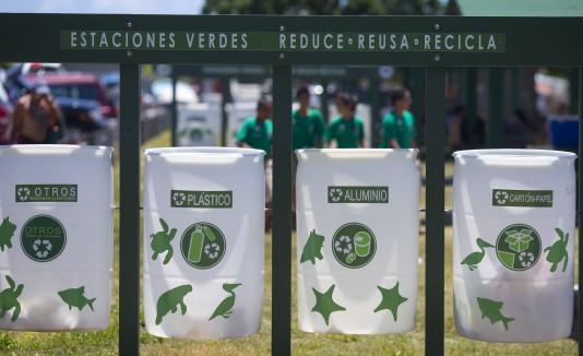 Estaciones verdes, reciclaje, playa