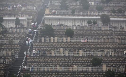 Cementerio en un Día de barrer las tumbas en China