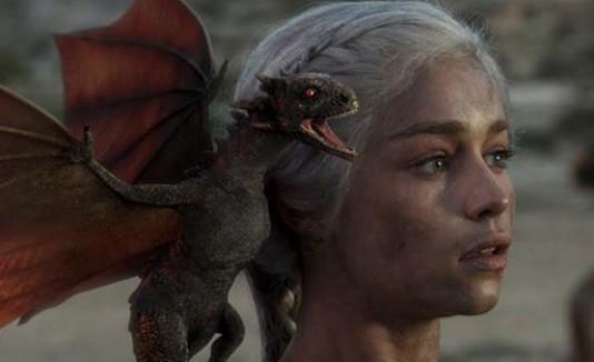 "Personaje principal de ""Games of Thrones"", Daenerys Targaryen."