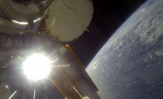 Astronauta con una GoPro