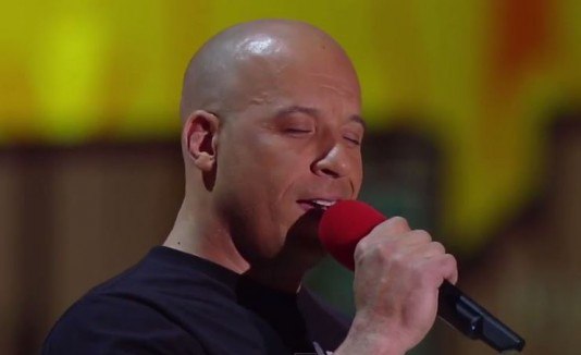 Vin Diesel cantando en los MTV Movie Awards