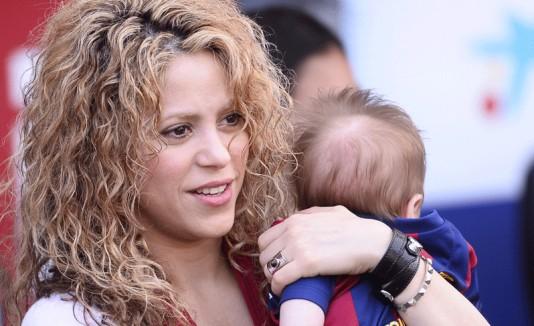 Shakira y Sasha en el Camp Nou