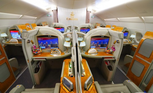 Interior del avión Emirates Airbus A380.