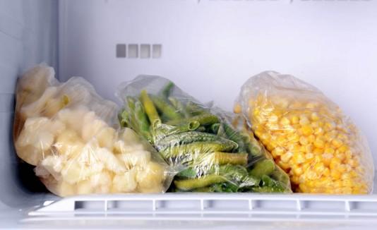 Alimentos congelados en el freezer