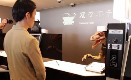 Abren hotel que es atendido por dinosaurios