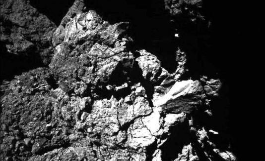 el lugar de aterrizaje Abydos en el día después de que el módulo de aterrizaje Philae descendió en el cometa 67P / Churyumov-Gerasimenko.