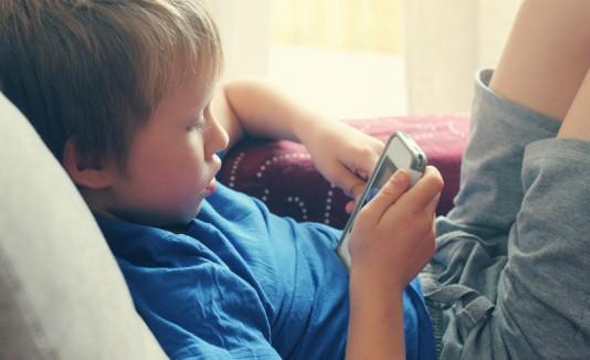 Niño / Smartphone